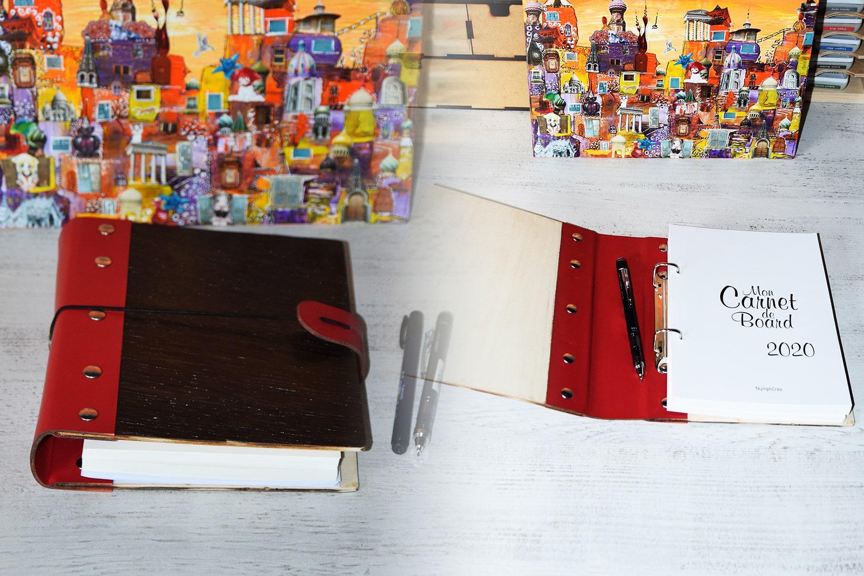 Carnet de Bord et son classeur en bois et cuir bullet journal